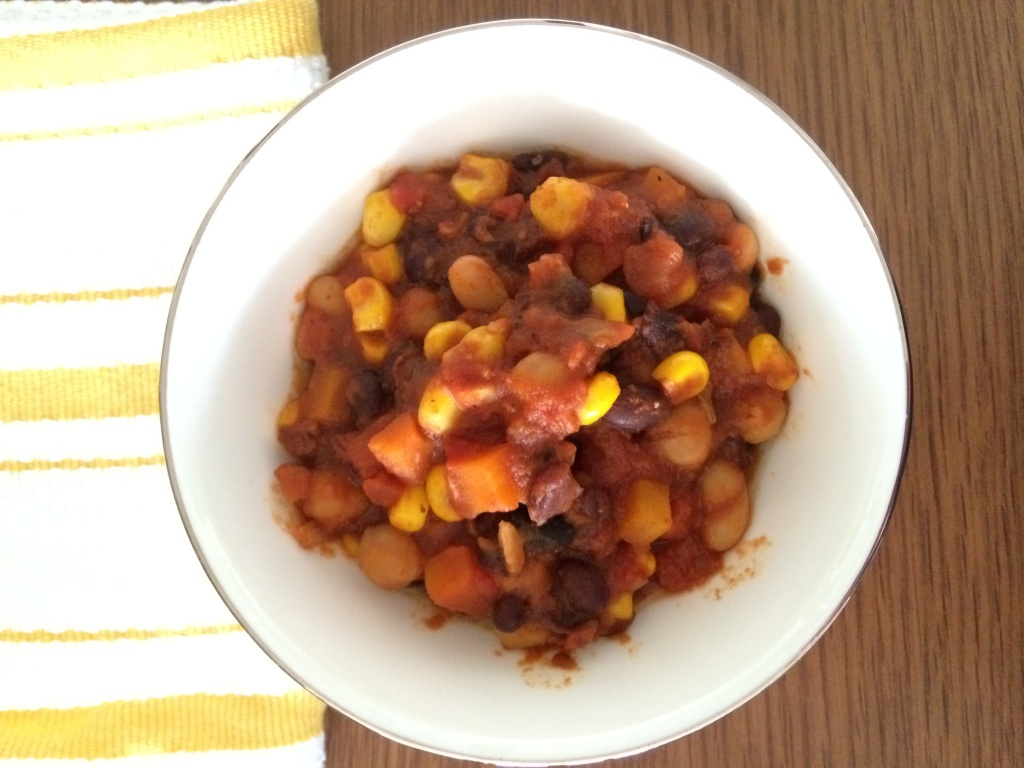 #Vegetarian #Chili from teeny tiny foodie warms the body and soul on a cold day.
