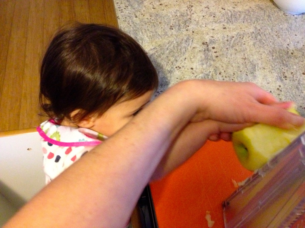 Ooh, wait! Grating the apples looks fun. I wanna help! (Photographing it was not so fun).