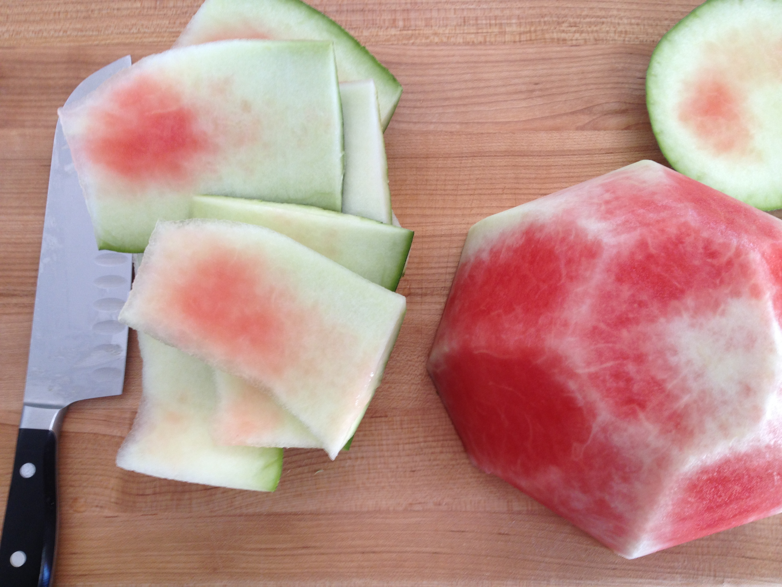 how to cut a watermelon into cubes