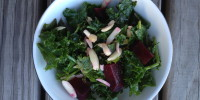Kale and Roasted Beets Salad with Almonds