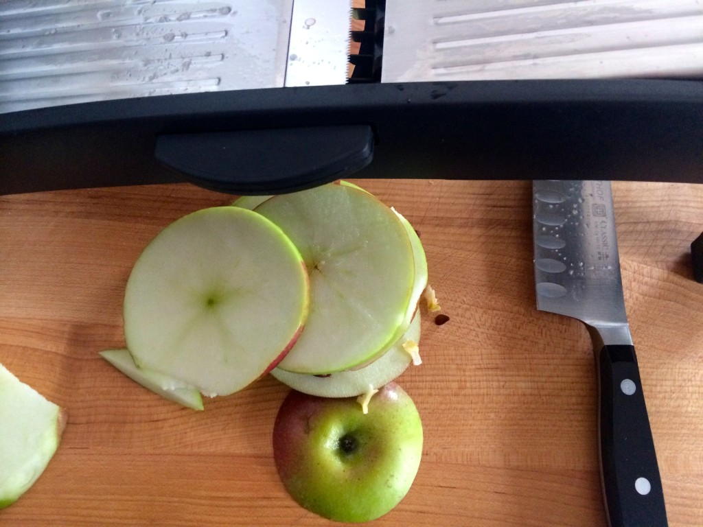 I don't have an apple corer, so I cut out the core after slicing the apple.