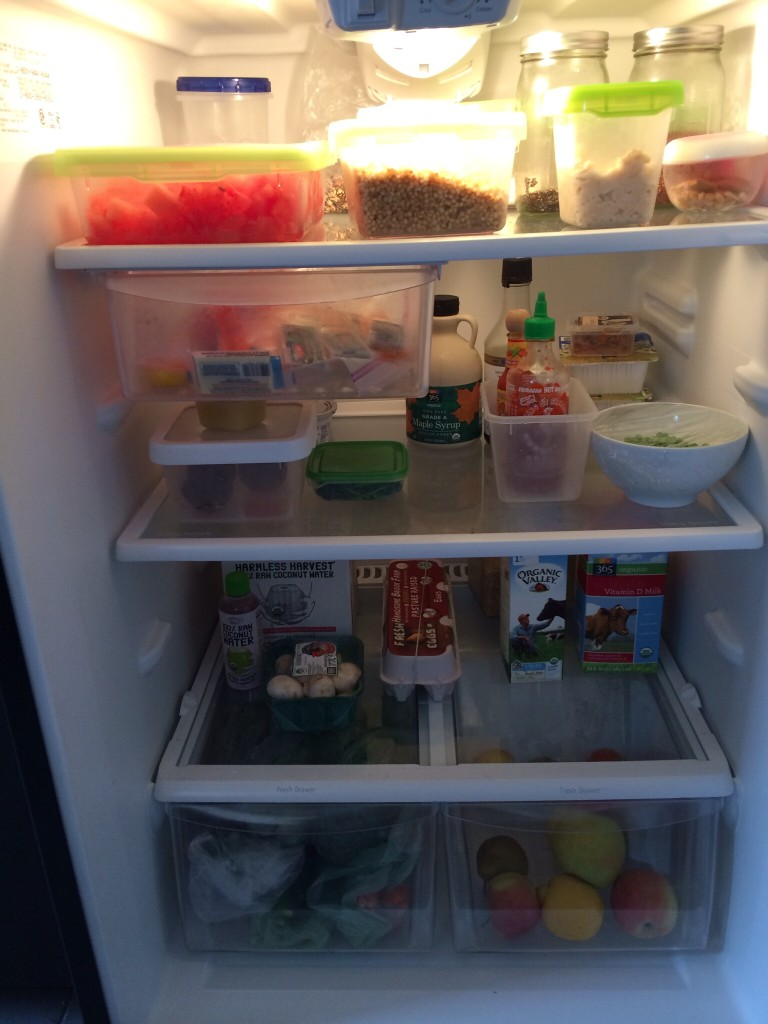Store cooked foods on the top and raw foods on the bottom and other food safety facts from teenytinyfoodie.com)