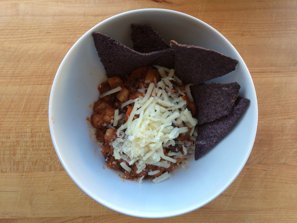 Sweet Potato Chili from teeny tiny foodie is an #easy #vegan #make #ahead #recipe for your #Superbowl #party!