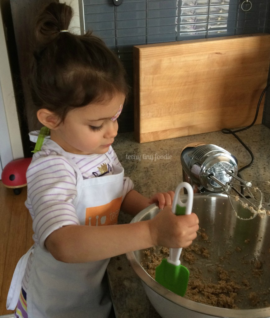 Review of Curious Chef 6 Piece Fruit & Veggie Prep Kit by teeny tiny foodie #curiouschef #toddlerscancook #kidsinthekitchen #KidsCookMonday