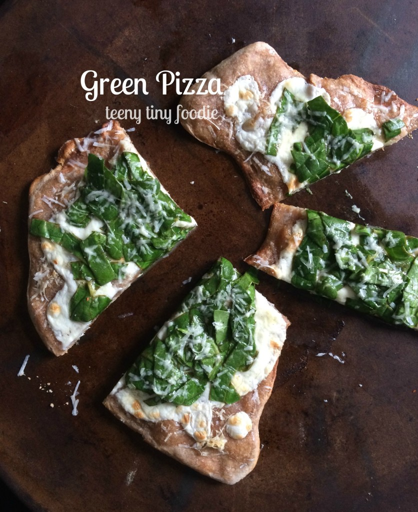 This Green Pizza from teeny tiny foodie is a #healthy #fast #vegetarian #recipe for a quick and tasty meal. It's just in time for #StPatricksDay too!