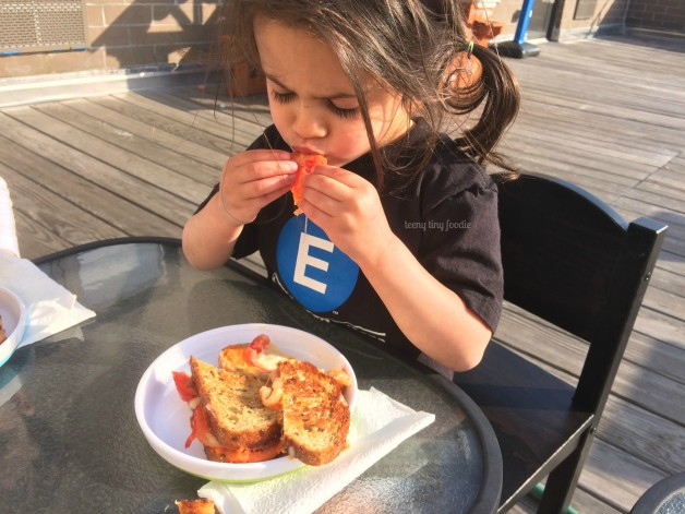 Puree Grilled Cheese from teeny tiny foodie is the newest recipe that uses a puree made for baby and turns it into a delicious meal for the kids and grown-ups in the family. These recipes, #PureesForTwo proves that baby food isn't just for babies anymore! #babyfood #puree #vegetarian #healthy