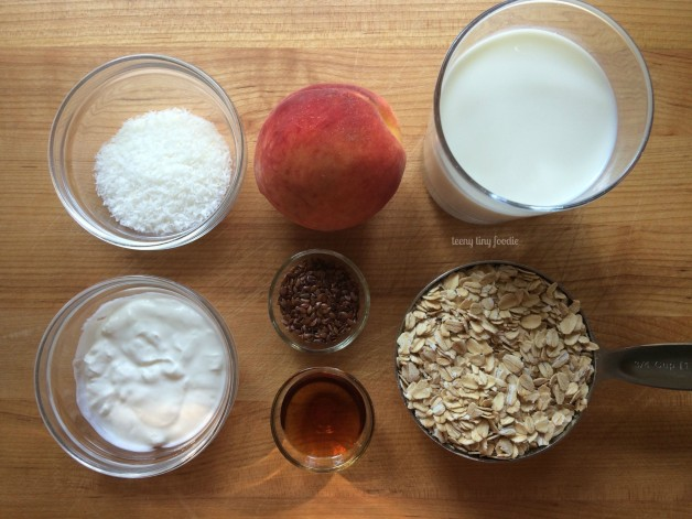 Ingredients for Peaches & Cream Overnight Oats from teeny tiny foodie. This is a fast and easy breakfast you can make ahead of time. Getting out of the door in the morning just got easier!