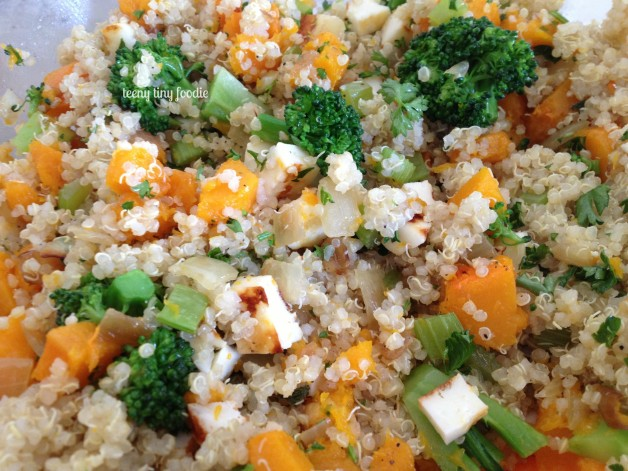 Vegetables and Quinoa from teeny tiny foodie is a scrumptious #vegetarian dish to add to your #Thanksgiving table. #teenytinyfoodie #vegetarian